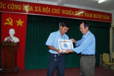 Khen thưởng nhân viên Đội Quản lý ĐHN